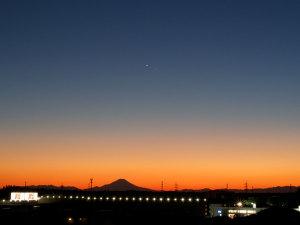 夕暮れの富士と金星と水星